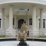 img-Sandstone Columns And Rockface Plinths