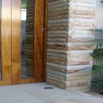 img-Sandstone Entrance Column Rockfaced