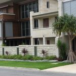 img-White Sandstone Rockface And Smooth Cladding